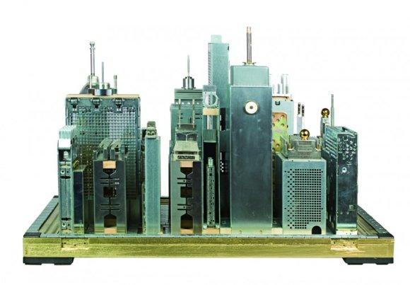 franco recchia escultura cidade paisagem urbana peças computador componentes eletrônicos