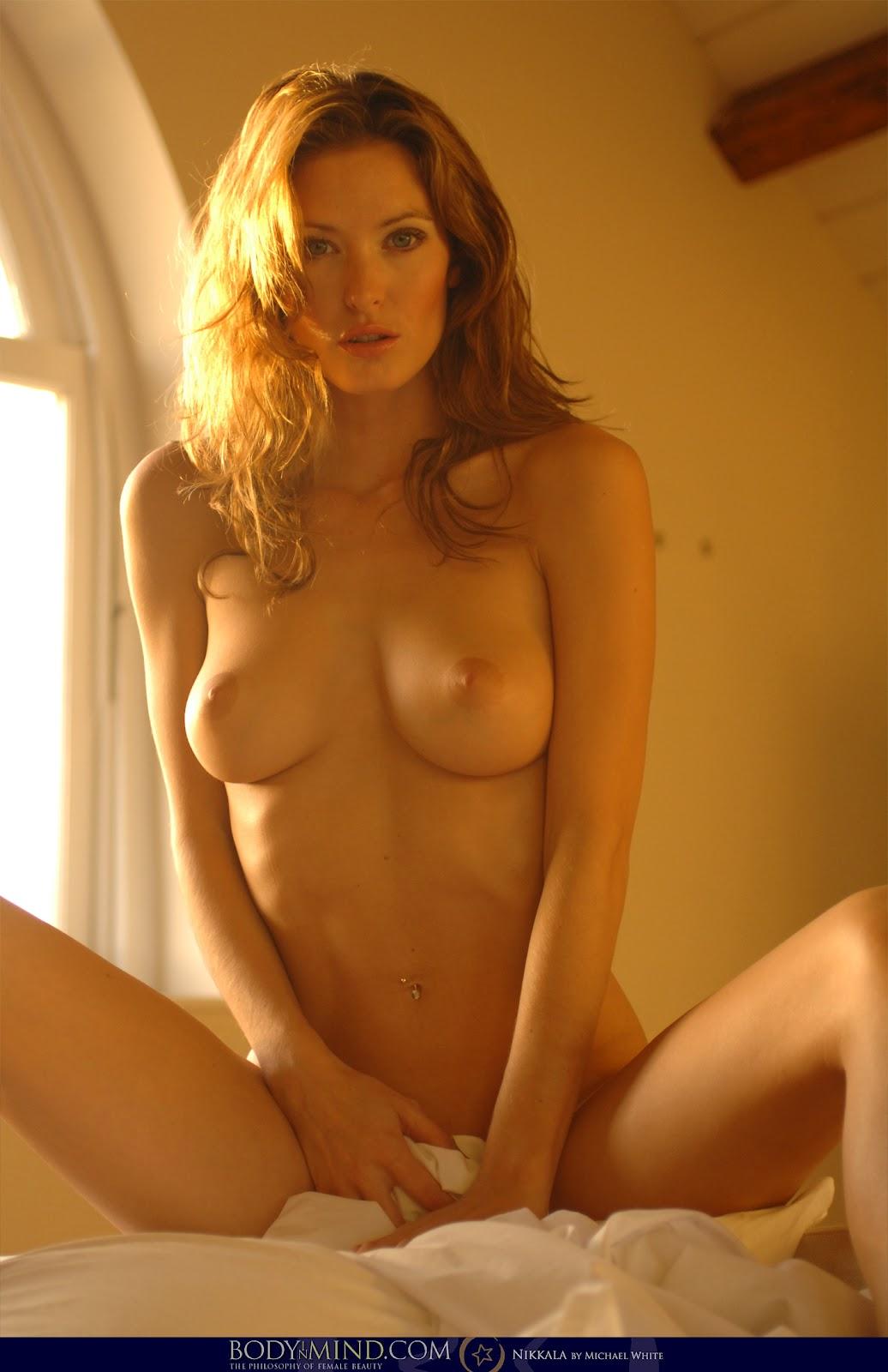 Alyssa milano black bra amp topless - 2 part 8