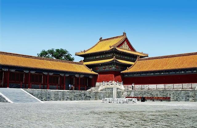 courtyard inside Forbidden City