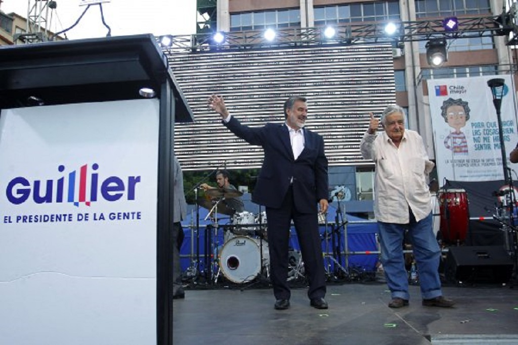PEPE MUJICA SOUTIENT GUILLIER