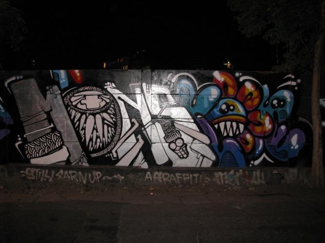 Secara Kebetulan Saya Menemukan Video Yang Berisi Proses Pengerjaan Salah Satu Graffiti Yang Ada Di Lokasi Ini Graffiti Tersebut Adalah Milik Koma X Yeah