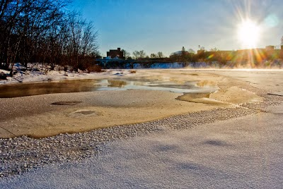 winter scene of Chippewa River along UW-Eau Claire campus