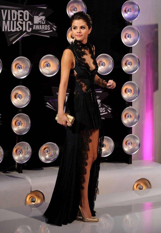 Selena Gomez – 2011 MTV Video Music Awards