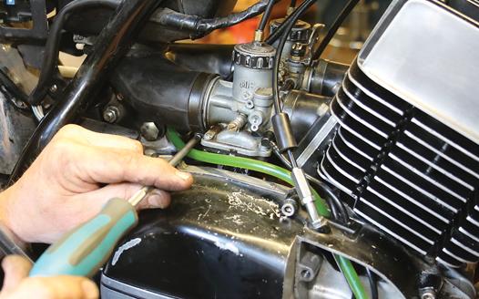 Pompa Oli (Oil Pump) Motor dan Cara Penyetelan (2Tak)