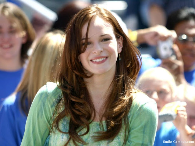 Danielle Panabaker Photo and Wallpaper
