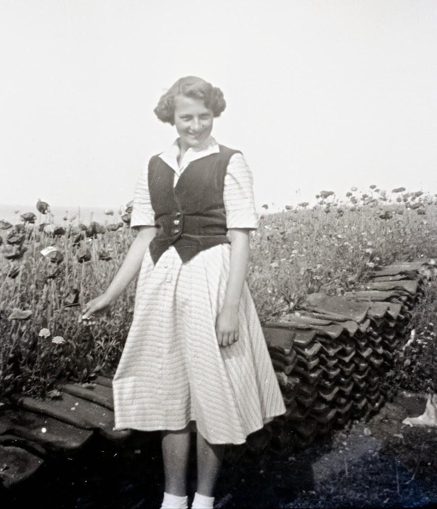 history of womens fashion 1900 to 1969 glamourdazegender