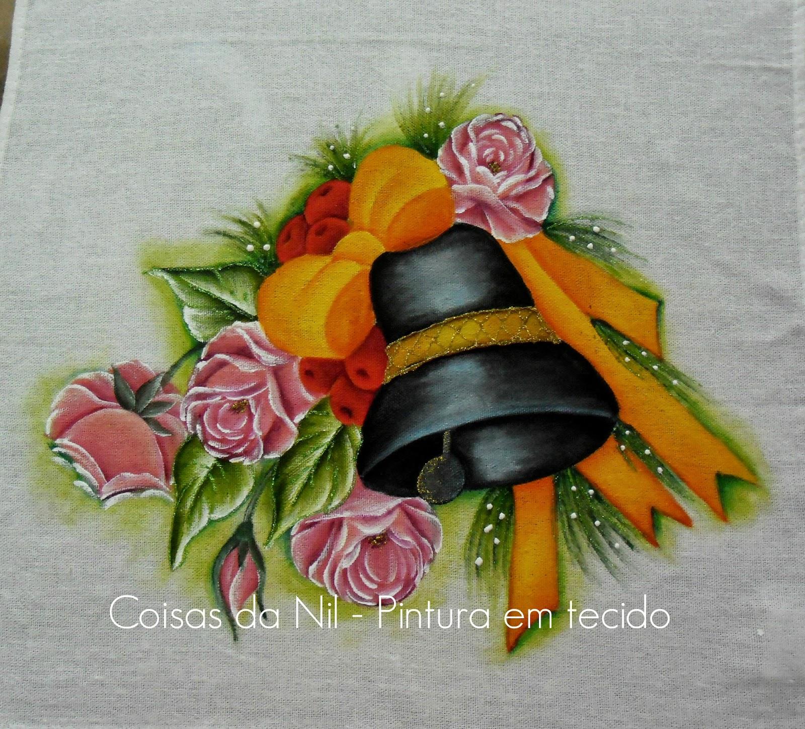 pintura de natal sino negro com laço de fitas e rosas