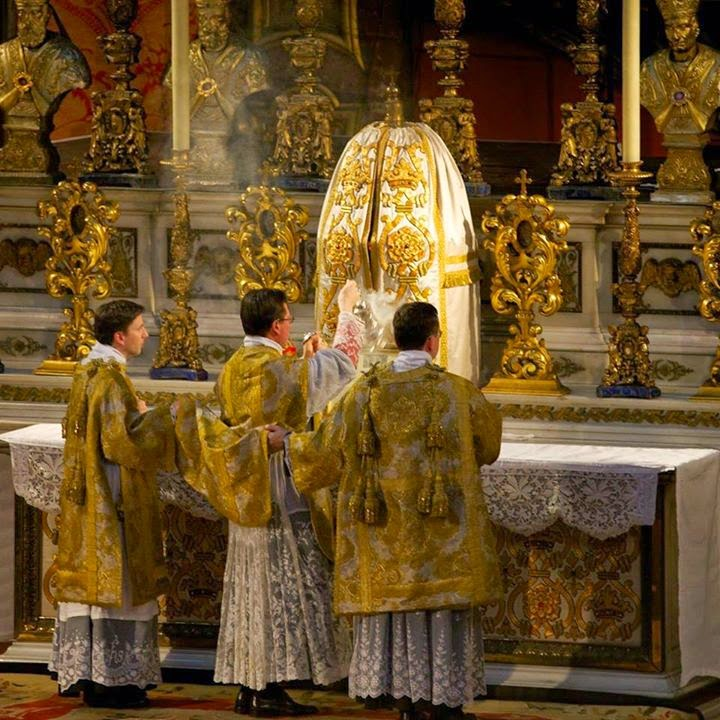 http://1.bp.blogspot.com/-9IABwcEsq1c/U4R9irYqWxI/AAAAAAAASX8/fj7S9j0QQBo/s1600/CATHOLICVS-Santa-Misa-Londres-Holy-High-Mass-London-2.jpg