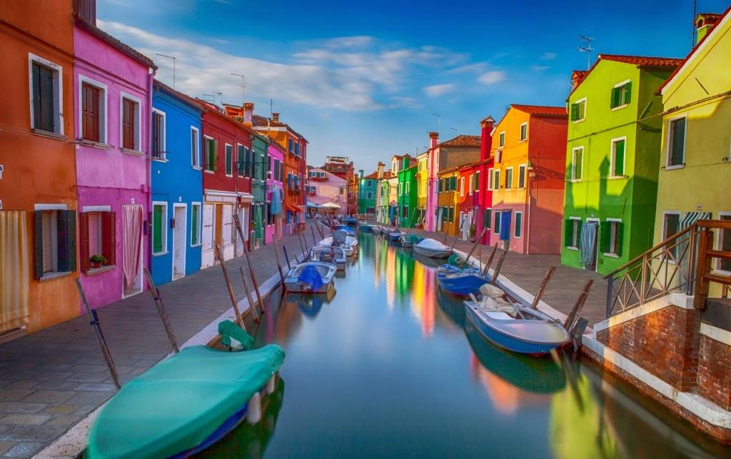 Las casas de colores de burano venecia las mejores for Las mejores casas minimalistas del mundo
