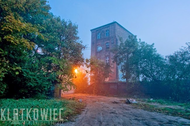 Poznań. Stare koryto Warty. Dom robotniczy przy ulicy Czartoria.