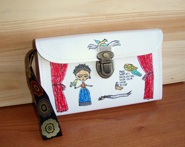 Frida Kahlo Fan Hand Purse by microbio