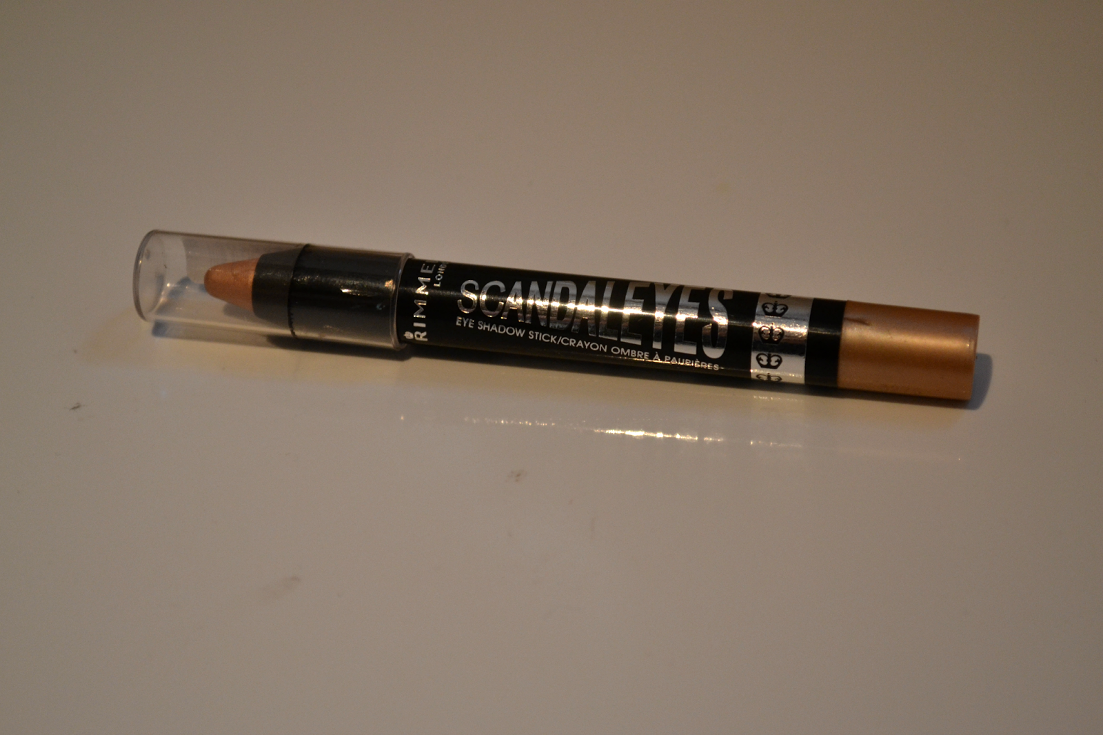 rimmel scandaleyes shadow stick in bulletproof beige