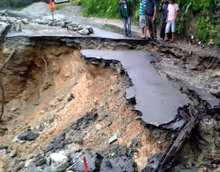 road collapsed near 6 mile kalimpong
