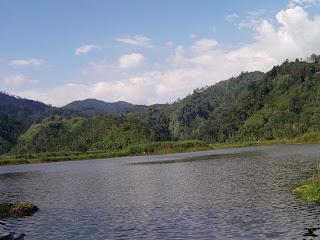 Legenda Danau Tes dalam Bahasa Inggris
