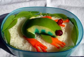 Sakurako Kitsa -Sapo e arroz