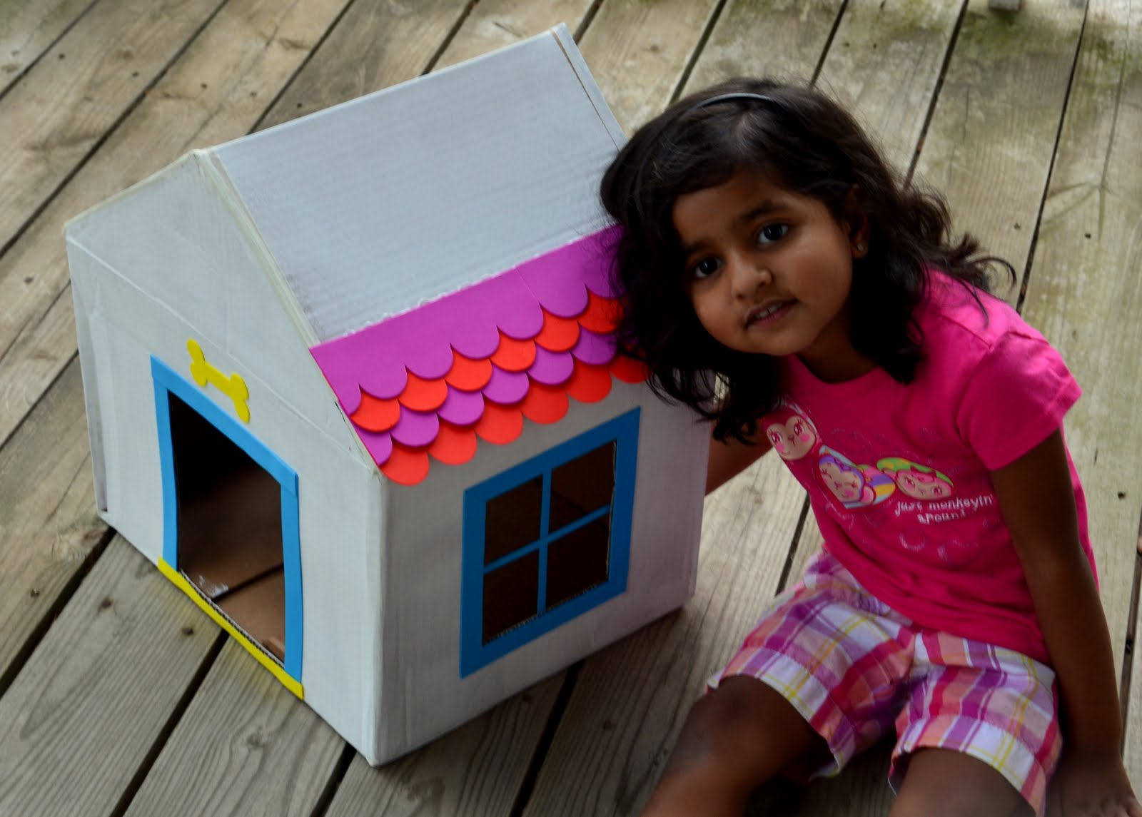 Mommiepedia Dog House From A Recycled Box