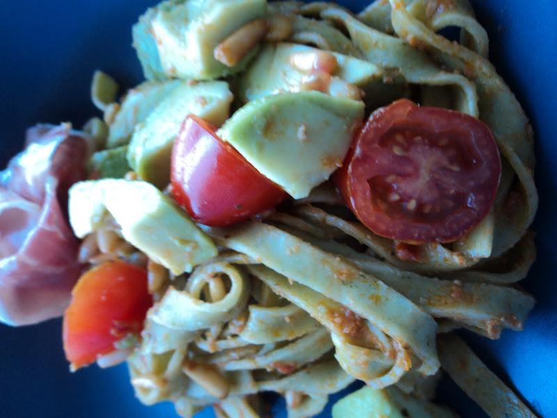 skinkesnitzler med pasta