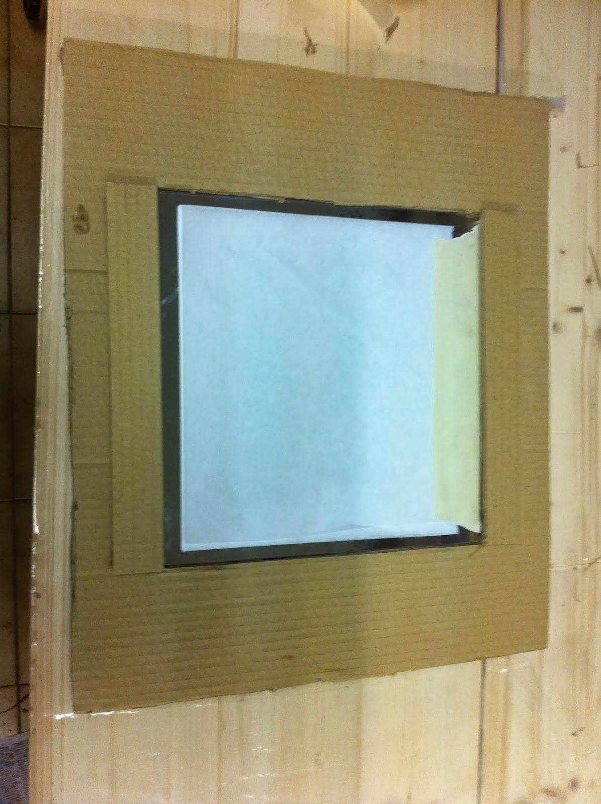 El arte de reciclar espejo con marco de cart n for Pintar marco espejo