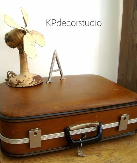 Comprar maletas antiguas para decoración de bodas y eventos