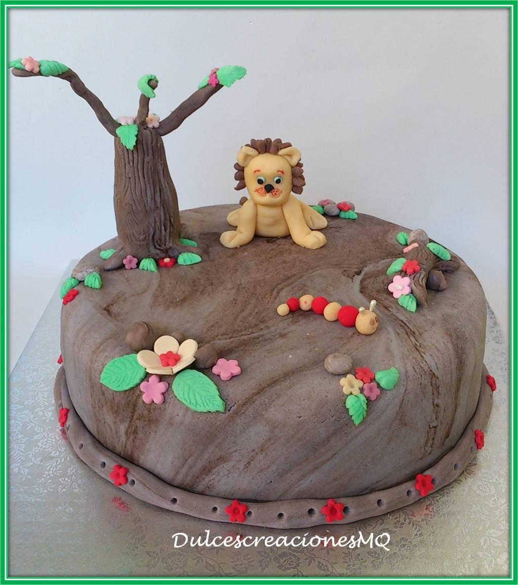Tarta Pastel Rey León Niño Cumpleaños Aniversario Fondant  Árbol Flores Montaña Safari Bizcocho Esponjoso Chocolate Buttercream Vainilla