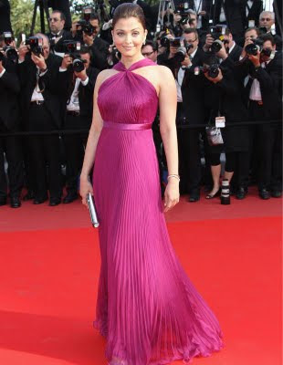 Pink gown dress of Aishwarya Rai at Cannes