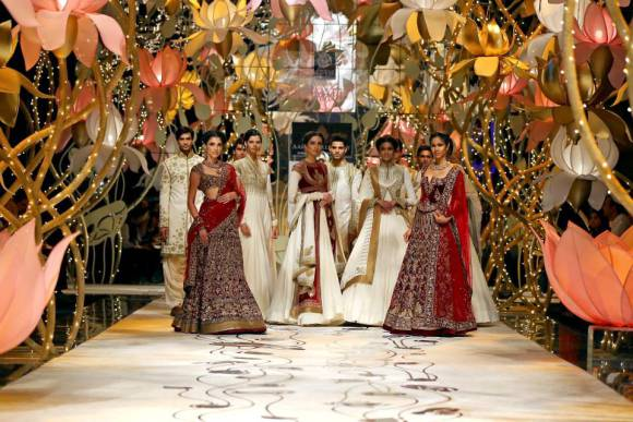 Latest India Bridal Fashion Week 2013