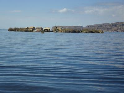 Islas Flotantes de los Uros Lago Titicaca