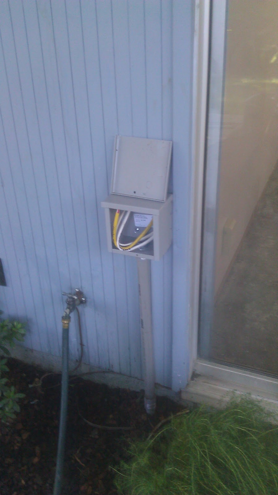 Eichler Bug: Panel upgrade and kitchen electrical complete!