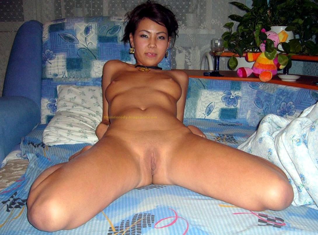 porno-fotografii-kak-zhena-spit-golaya