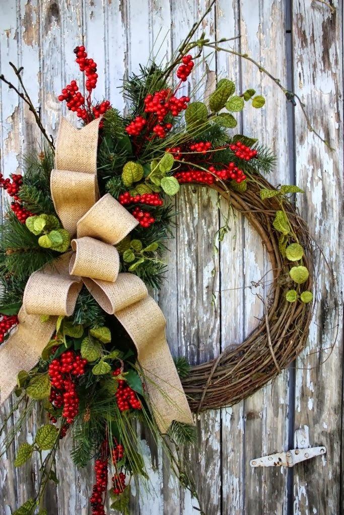 si te casas de aqu a unas semanas seguro que tu boda estar inundada de motivos navideos por lo que no puede faltar una corona de navidad en la entrada a - Coronas De Navidad