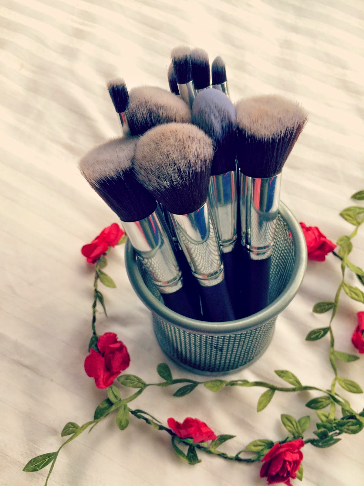 So first impressions when I got them were pretty good; I liked the simple sleek design and was amazed by how fluffy and soft all the brushes were.