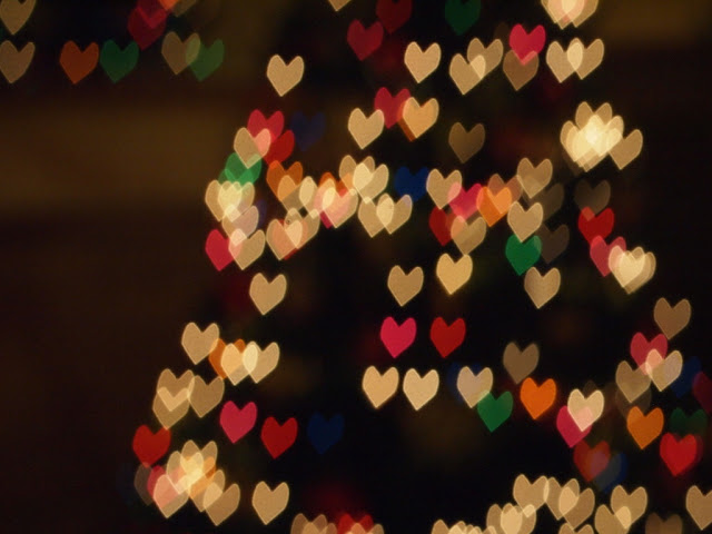 how to make heart shaped bokeh Christmas lights