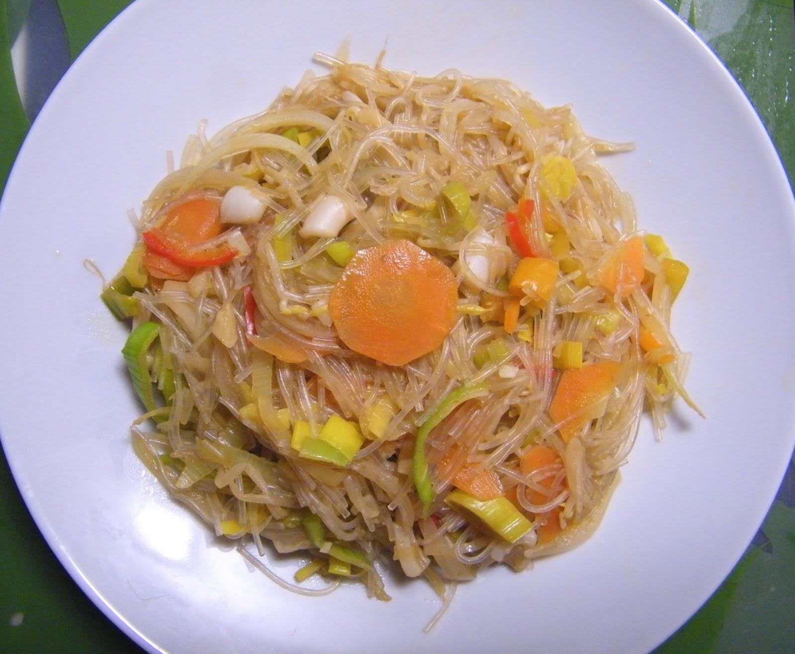 Comer rico y sano: Fideos chinos son sepia y verduras - photo#11