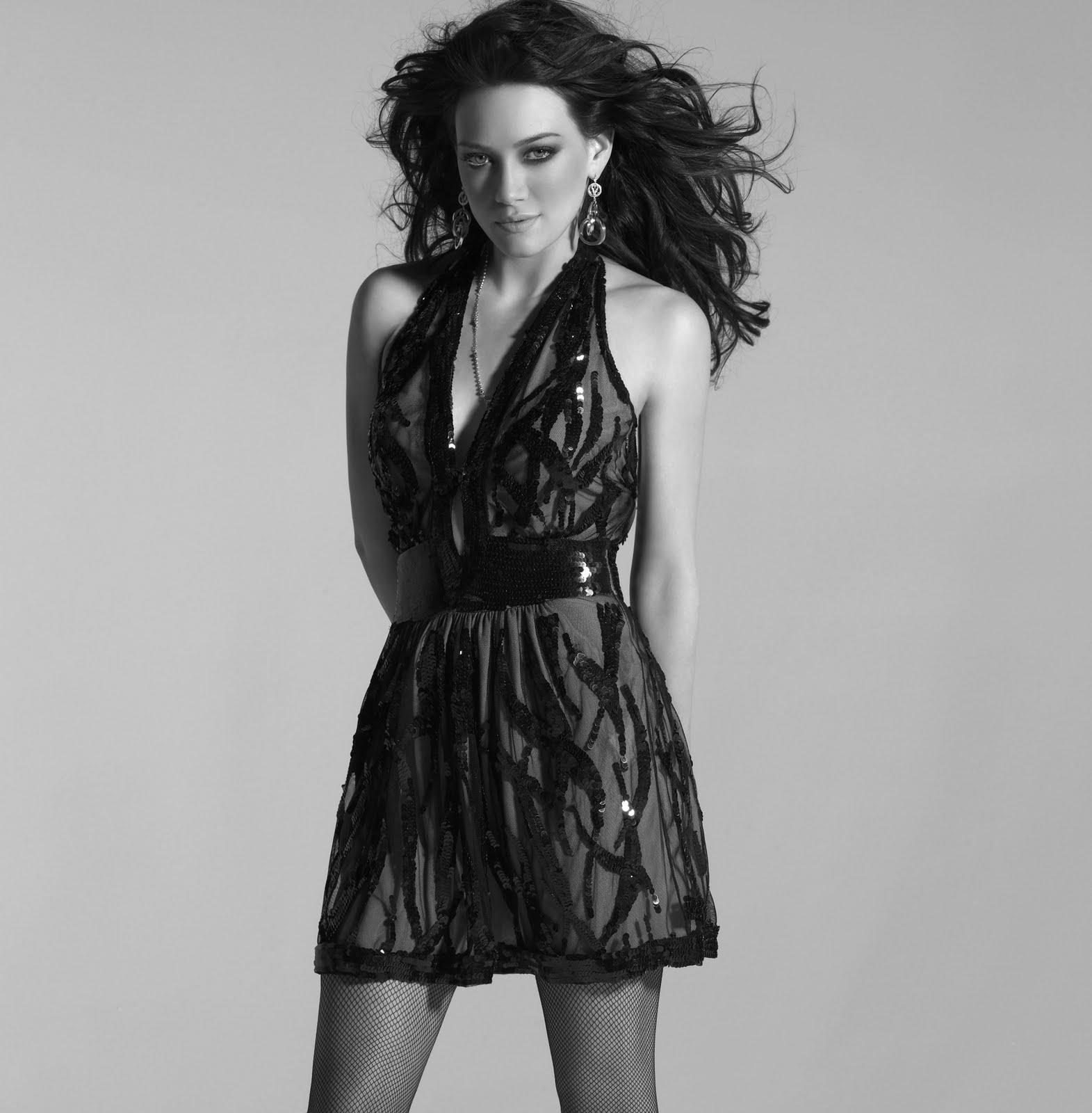 http://1.bp.blogspot.com/-9KWMoYhNpGE/TgK10q9aVQI/AAAAAAAAEXc/dNxXugkUGA4/s1600/HilaryDuff_Photoshoot.jpg