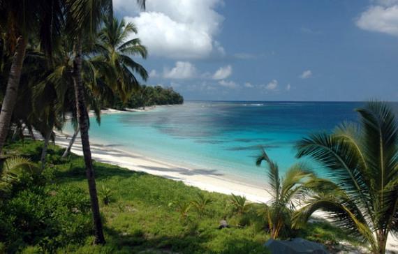 Intip Eksotisme Sunyi Pulau Moyo