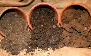 Bolta karachi agriculture tips types of pakistans soil for What is soil made out of