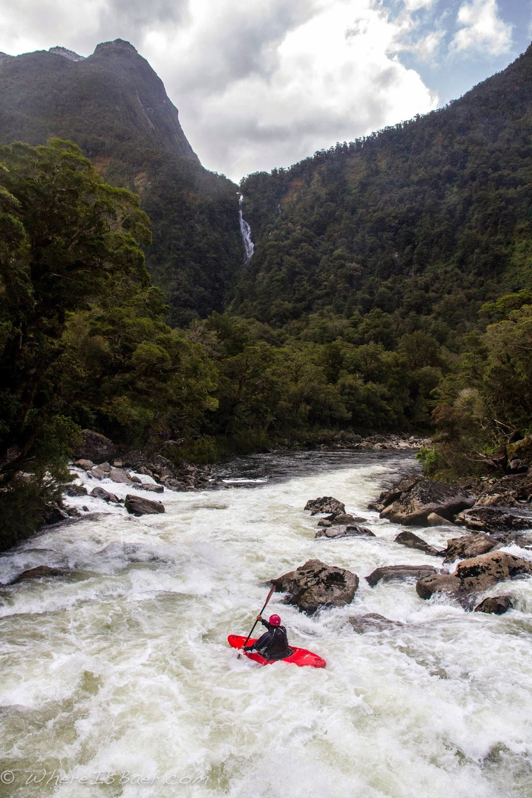 it's hard to look at your line when you have scenery like this, Gonzo, Arthur river, nz, chris baer