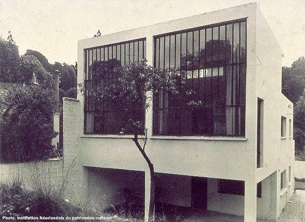 Meudon - Maison-Atelier - 29 rue Charles Infroit.  Architecte:  Theo Van Doesburg  Construction: 1929 - 1931  Classé Monument historique en 1965