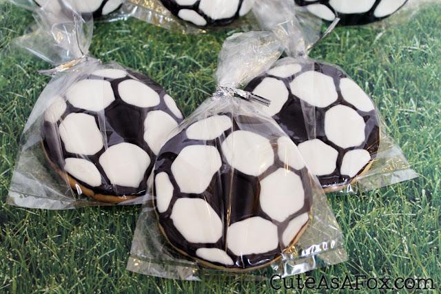 Decorated-Soccer-Cookies.jpg