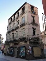 edificio histórico en ruina, calle Comedias 13