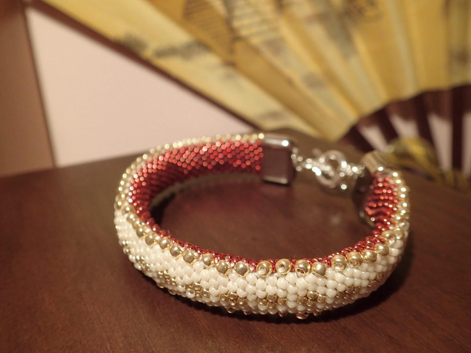 bransoletka z koralików