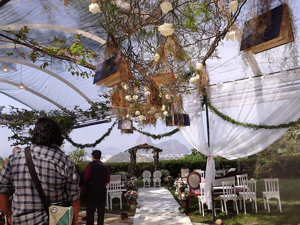 Casamento e ideias de arranjos para cerimônias no jardim