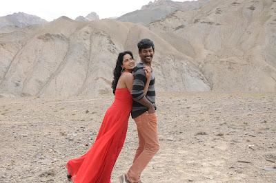 Vishal and Sameera Reddy Hot stills