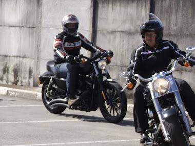 Pai e filho unidos, também, pela moto.