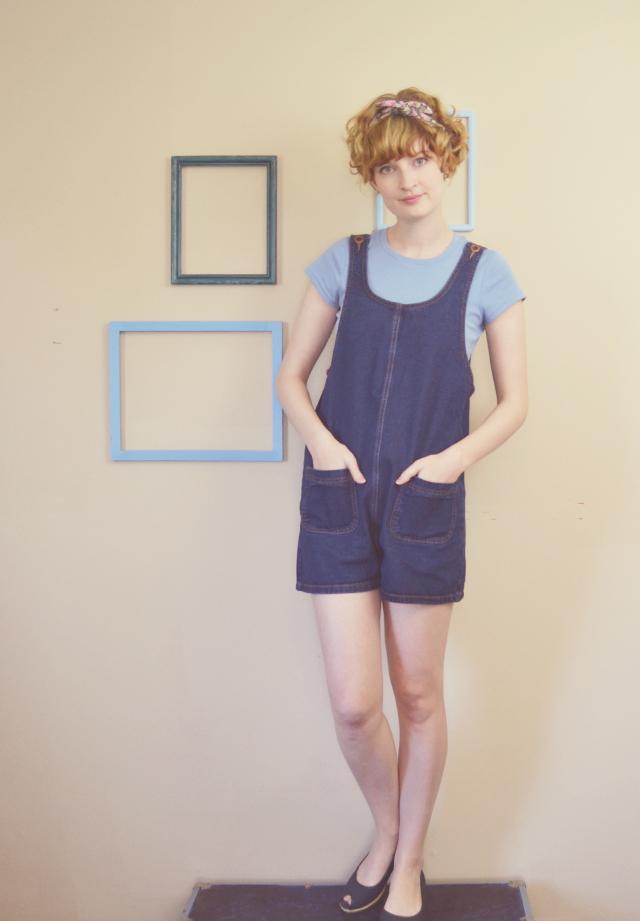 Denim playsuit, baby blue t-shirt