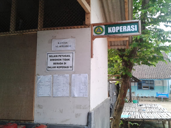 Hukum Bekerja Di Bank Sentral