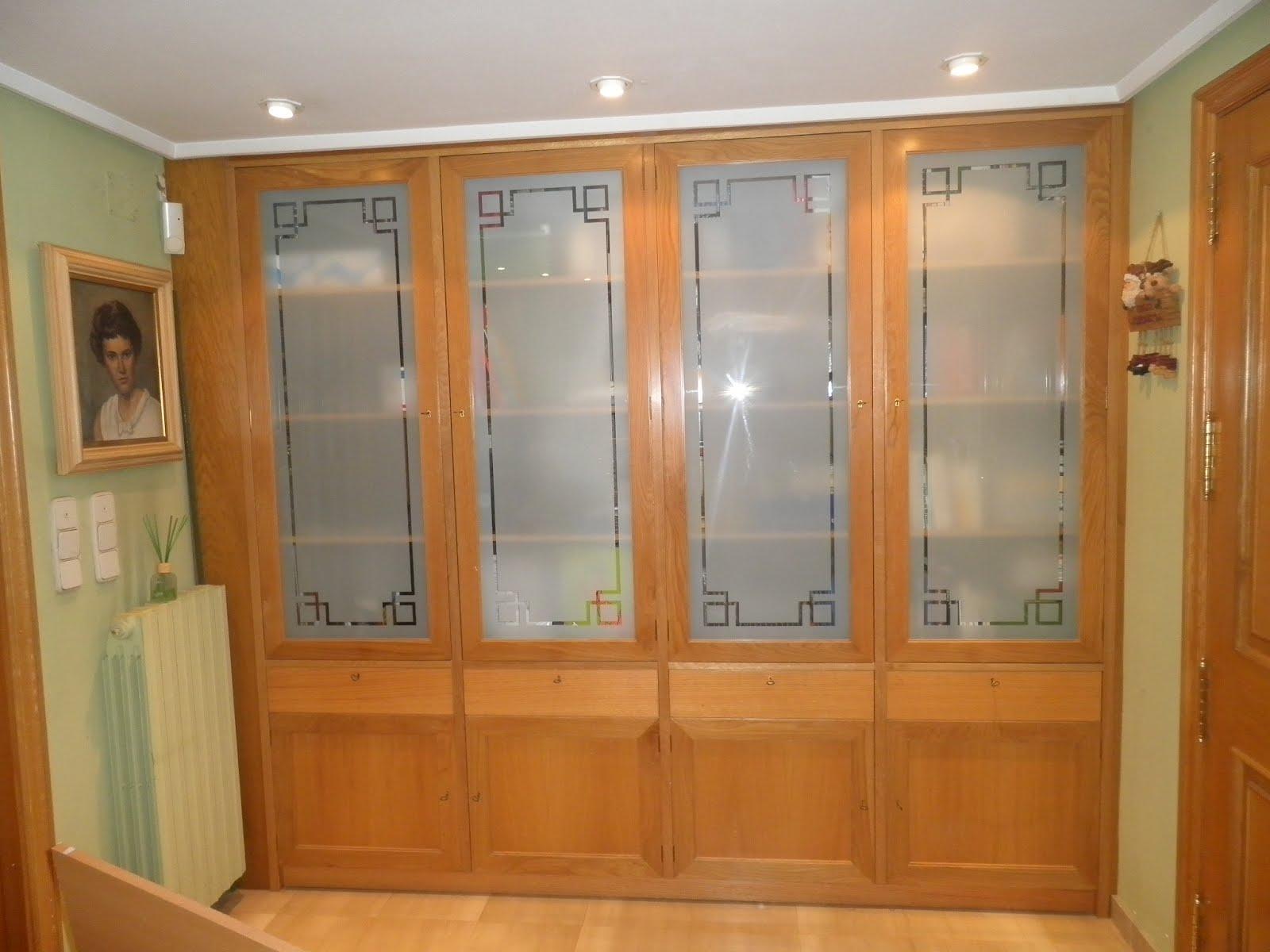 Mueble vitrina con cristal al cido muebles cansado - Cristales al acido para puertas ...