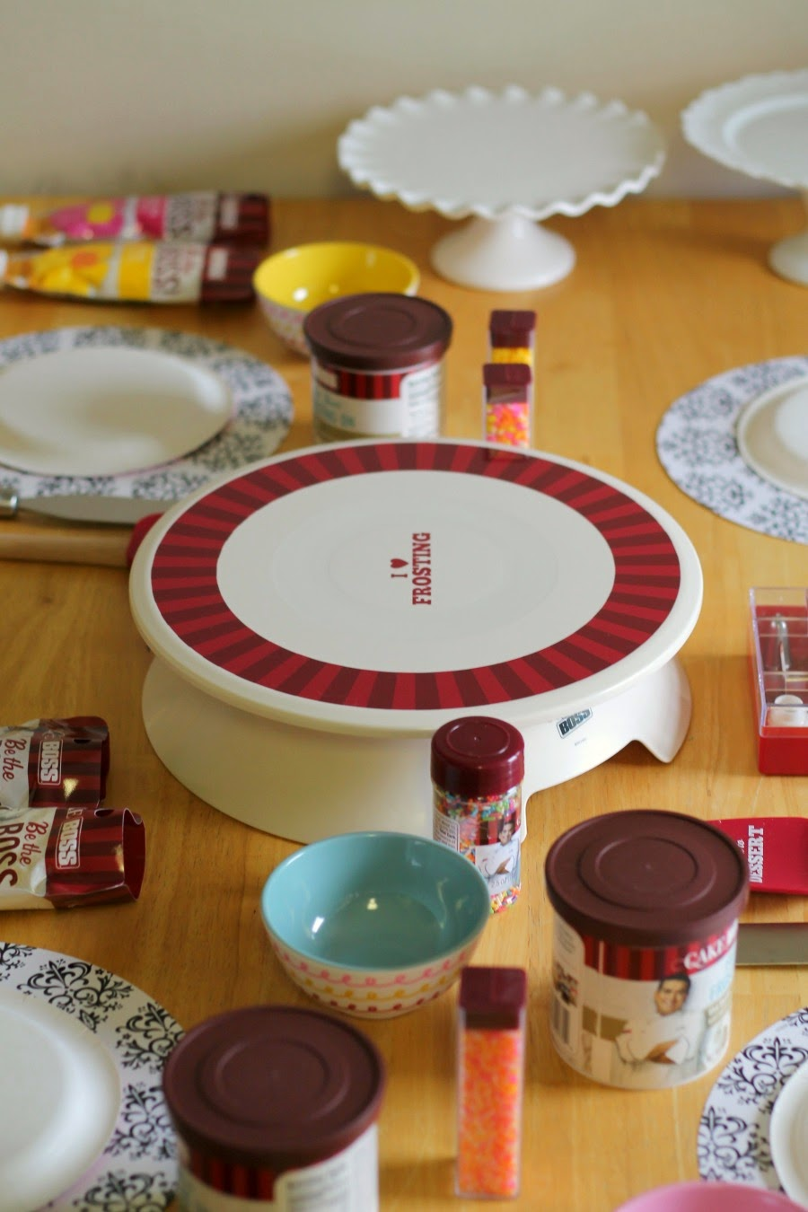 Cake Boss Decorating Table : Frugal Foodie Mama: Invite the BOSS to a Cake Decorating Party