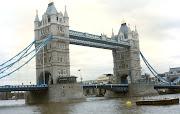 Tower Bridge. Recuerdo que el viaje en tren express, desde el aeropuerto de . (tower bridge)