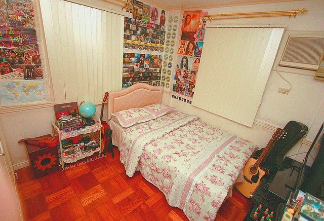 interior kamar tidur anak laki-laki remaja